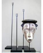 Socle pour masque en bois, 32 cm