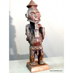 Sapelli Statue stand