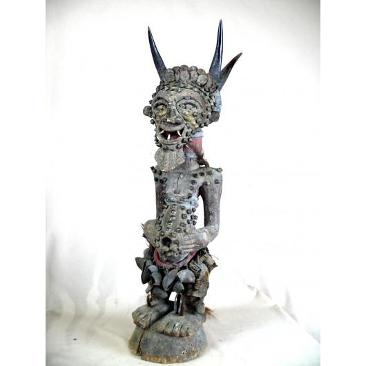 Statue fétiche Songyé de RDC